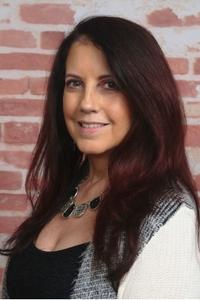 Lynne Marie